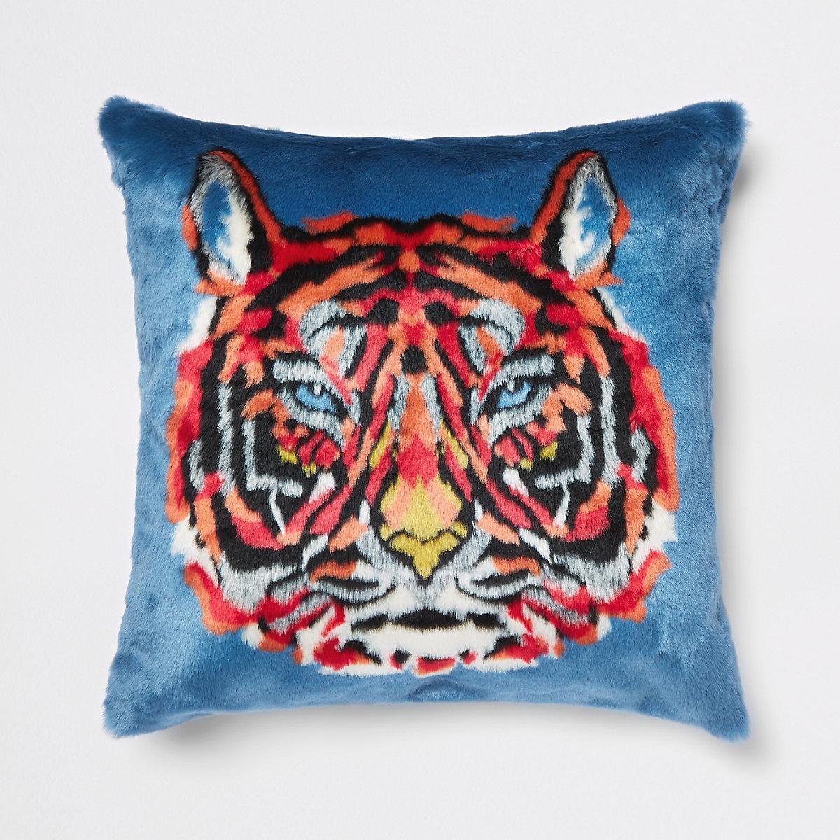 Coussin en fausse fourrure bleu imprimé tigre