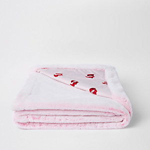 Pink lips faux fur throw
