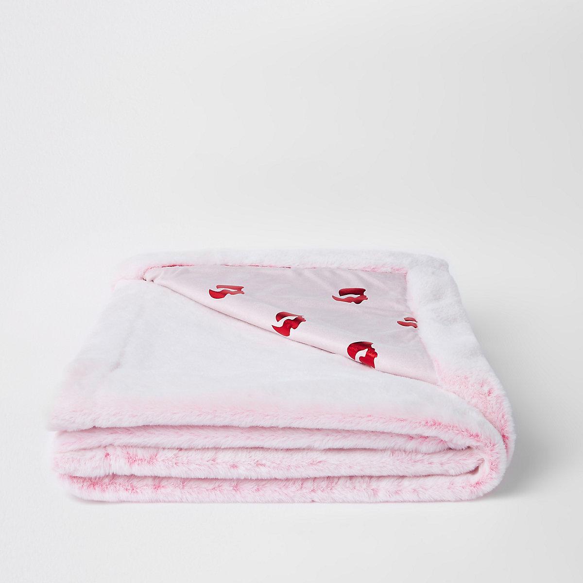 Plaid en fausse fourrure motif lèvres rose