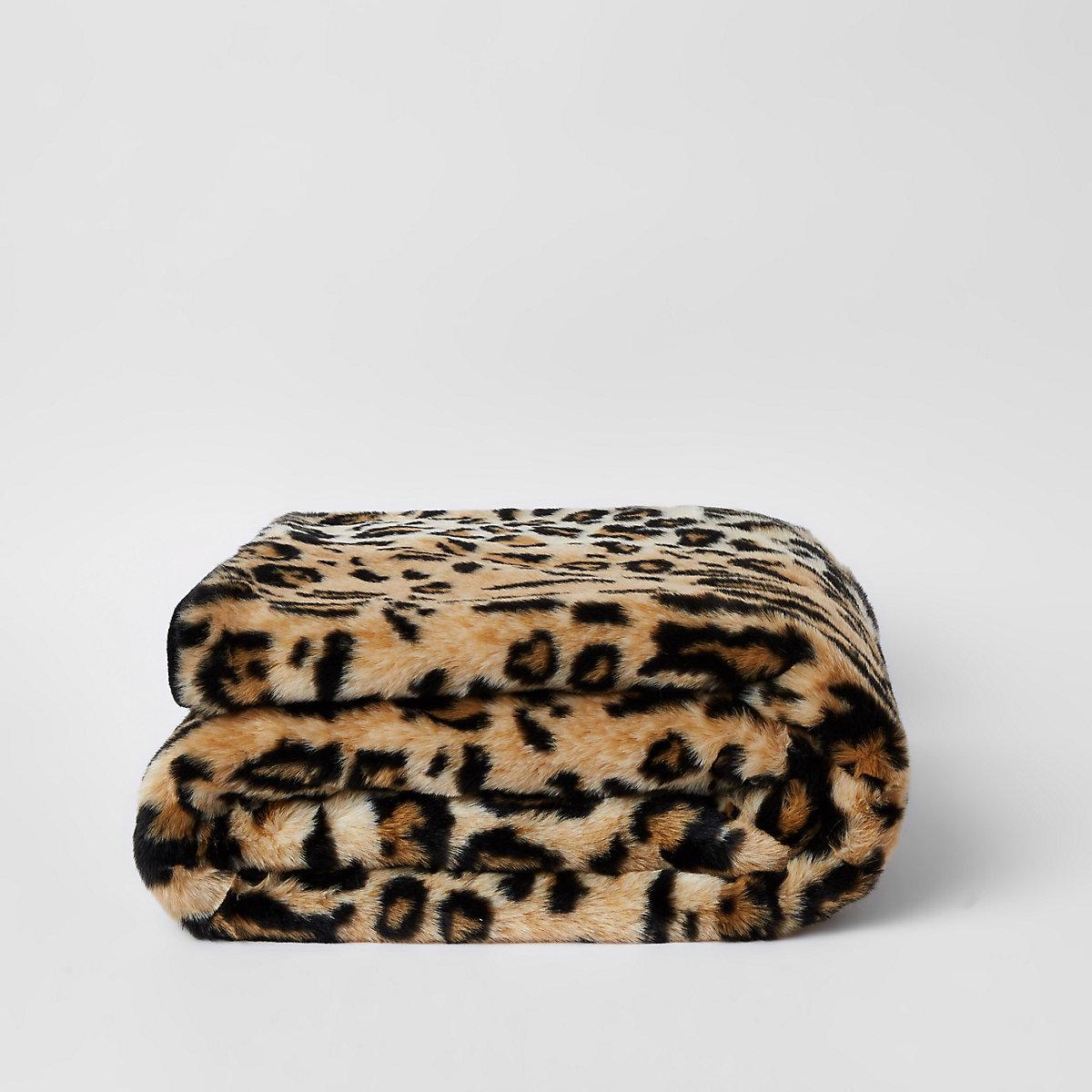 Leopard faux fur throw