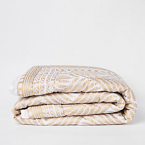 White and gold leaf print double bedspread