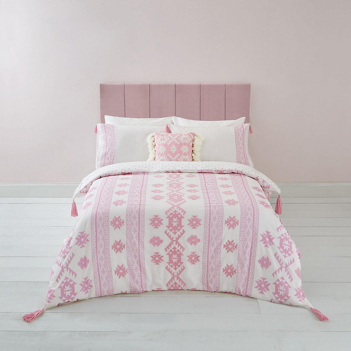 Pink Aztec print king duvet bed set