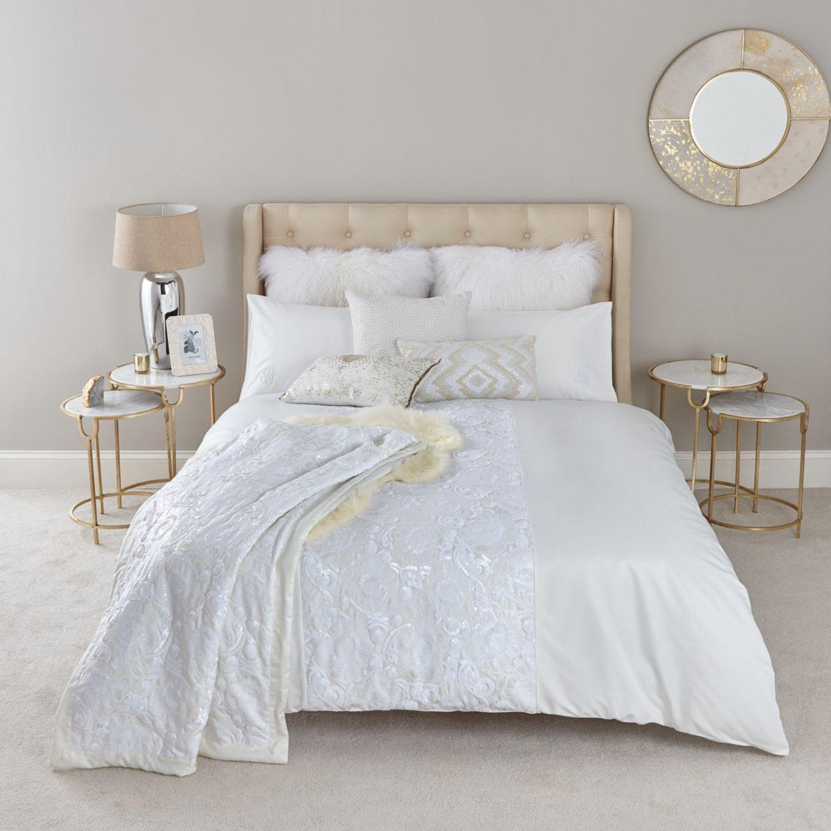 Cream white on white sequin king duvet bed