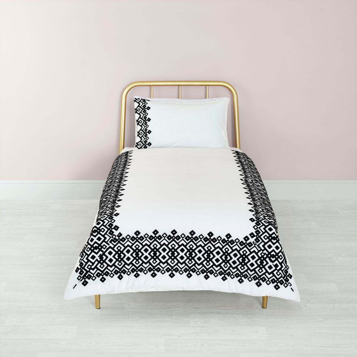 White geo embroidered single duvet bed set