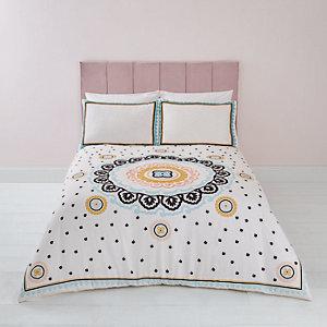 Bestickte Bettwäsche für Doppelbett in Creme