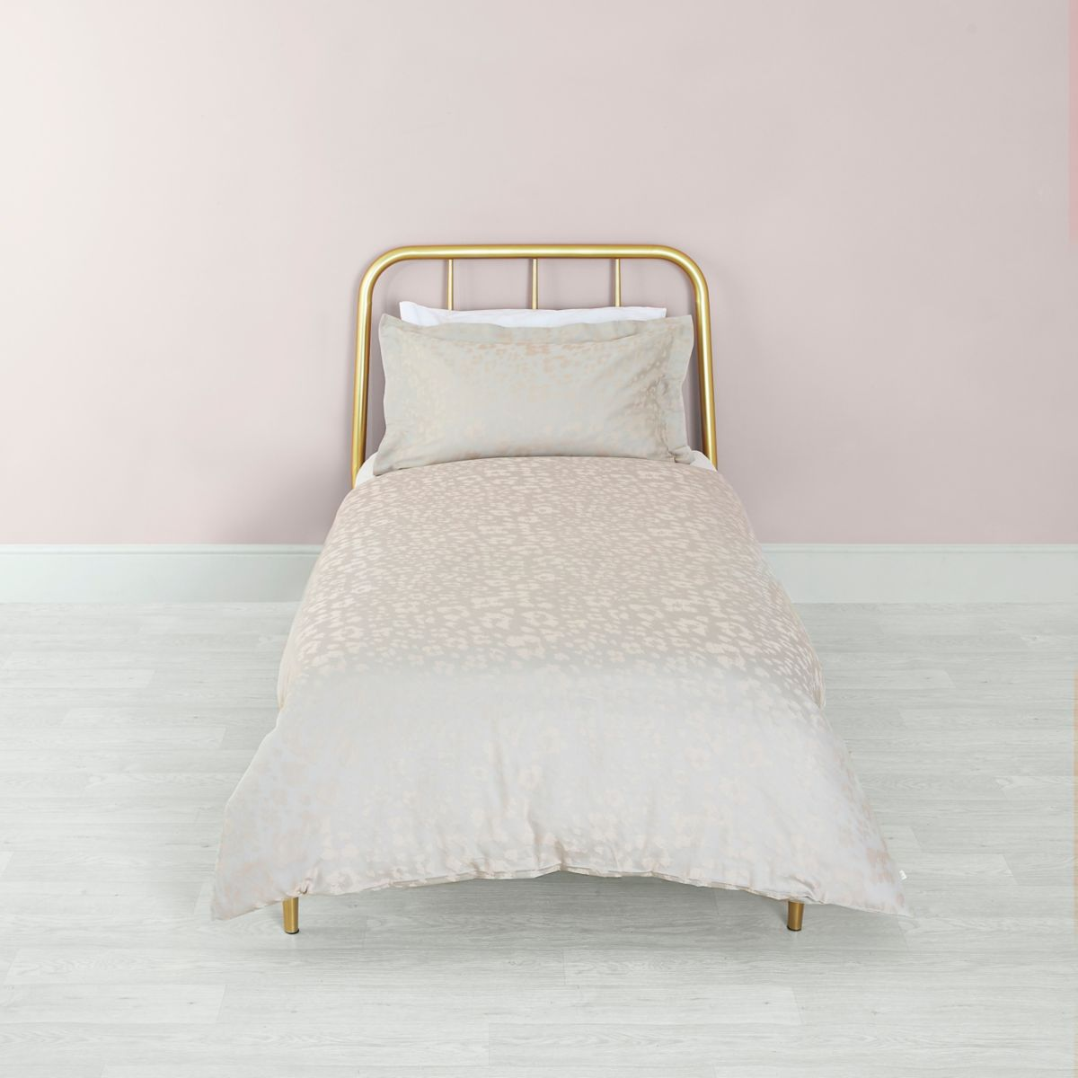 Pink leopard jacquard single duvet bed set