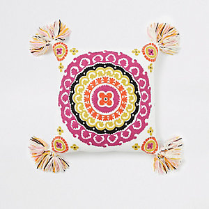 Pinkes Kissen mit Medaillon-Stickerei