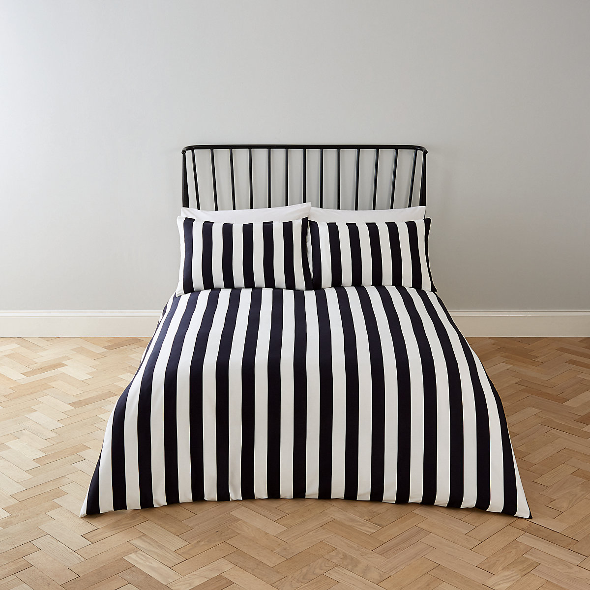 Black stripe print super king duvet bed set