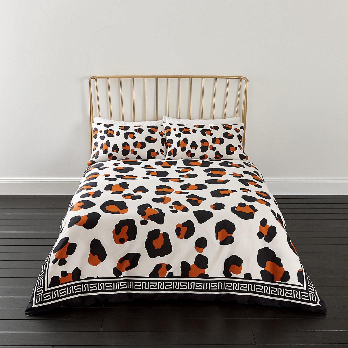 White leopard print king duvet bed set